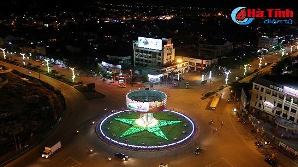Đường phố Hà Tĩnh đẹp lung linh với ánh đèn led mới