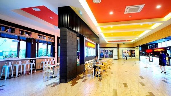 Nhà hàng, siêu thị vắng khách giữa đại dịch nCoV