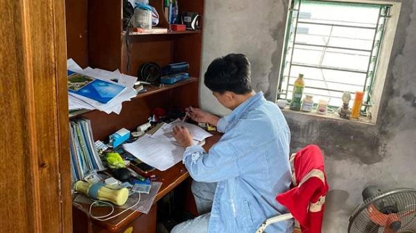 Hải Dương: Thầy cô đến tận nhà kiểm tra ý thức tự học của học sinh nghỉ học vì COVID-19