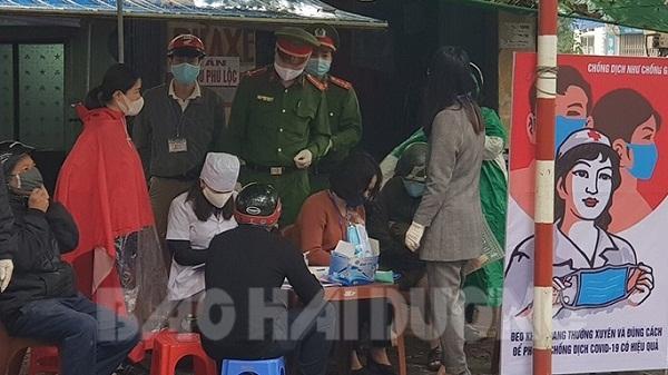 TP Hải Dương: 20 người bị phạt vì không đeo khẩu trang, găng tay