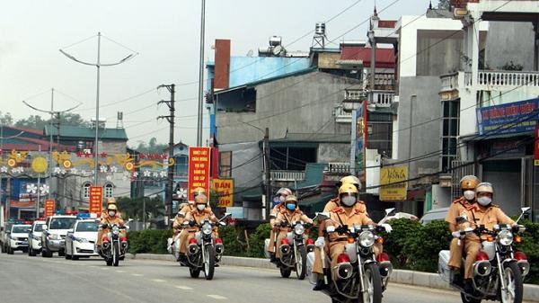 Điện Biên ngày đầu ra quân tổng kiểm soát phương tiện cơ giới đường bộ