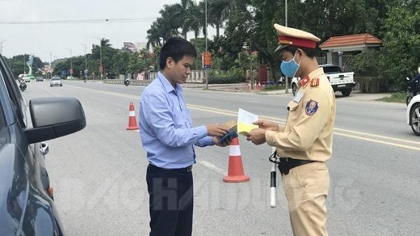 Phát hiện 67 lái xe vi phạm trong ngày đầu ra quân tổng kiểm soát các phương tiện đường bộ