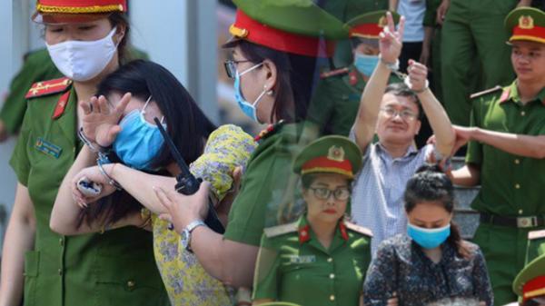 Hòa Bình: Kẻ khóc ngất, người vẫn cười tươi rồi liên tục giơ 2 ngón tay chào gia đình sau khi bị tuyên án vì gian lận điểm thi
