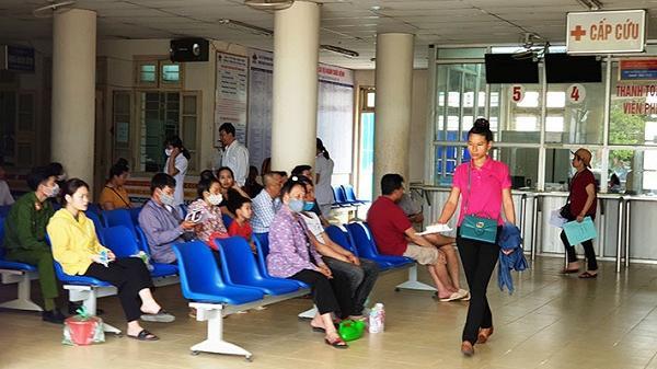 Trẻ em, người già ở Điện Biên nhập viện tăng