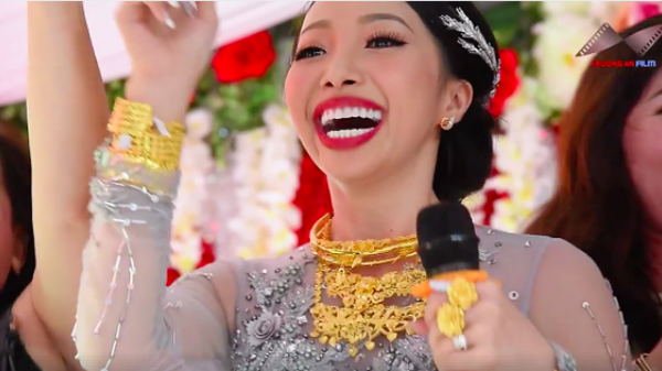"""Clip: Cô dâu ở Hậu Giang mang trên người hơn 1kg vàng, """"quẩy"""" tưng bừng trong đám cưới"""
