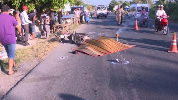 Vĩnh Long: Người đàn ông bán bắp ch.ết thảm dưới bánh xe buýt
