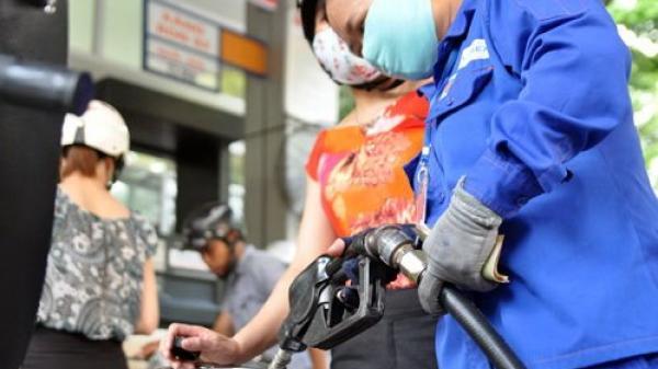 Giá xăng ngày mai sẽ tăng, chấm dứt chuỗi giảm liên tục?