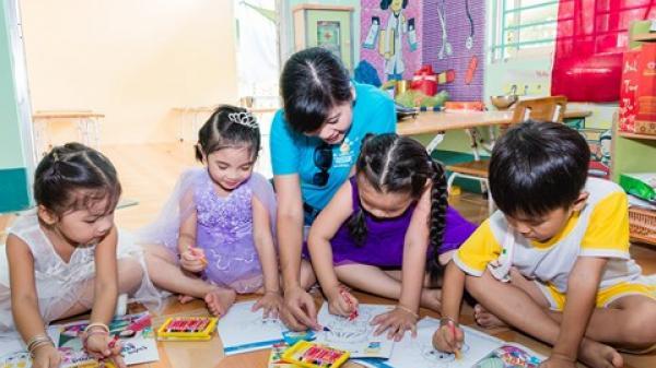 Trợ giúp hơn 1.000 trẻ em vùng sâu vùng xa tới lớp ở Hậu Giang và Trà Vinh