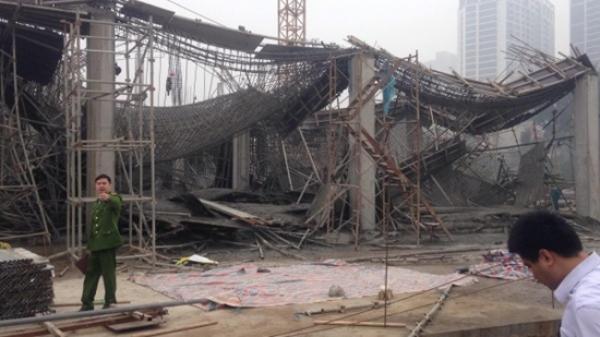 Sập giàn giáo ở Hà Nội làm 6 người thương vong, 2 nạn nhân ở Hòa Bình
