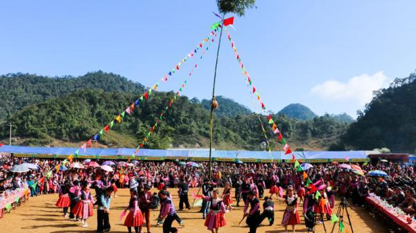 Đặc sắc Lễ hội Gầu Tào dân tộc Mông hai xã Hang Kia – Pà Cò (Hòa Bình) năm 2018