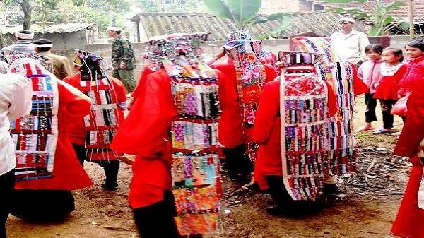 Độc đáo lễ quạt ma người Mường Bi ở Hòa Bình