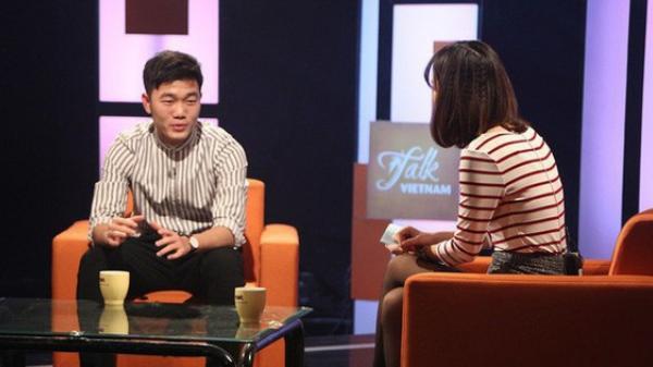 """Xuân Trường """"bắn"""" tiếng Anh suốt 1 tiếng trên talkshow VTV, khiến fan phục sát đất"""