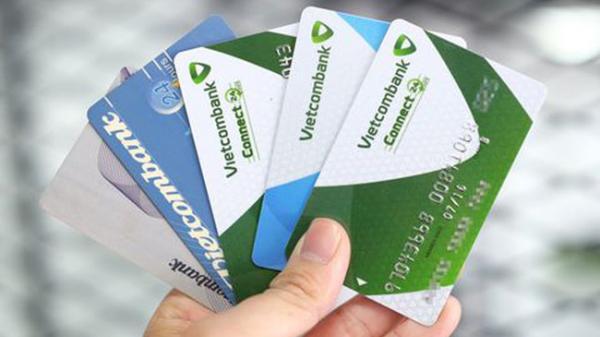 Nhiều tài khoản ngân hàng bỗng dưng mất tiền trong đêm 26 Tết