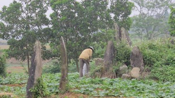 BÍ ẨN ngàn đời KHU MỘ ĐÁ Đống Thếch chôn NGƯỜI KHỔNG LỒ ở Kim Bôi - Hòa Bình