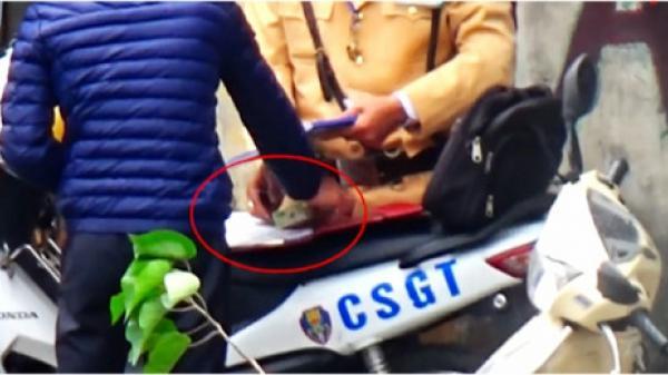 """Clip CSGT Hà Nội """"làm luật"""": 20 lãnh đạo, chiến sĩ CSGT bị đình chỉ"""