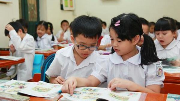 Hòa Bình: Thí điểm sách giáo khoa theo chương trình mới
