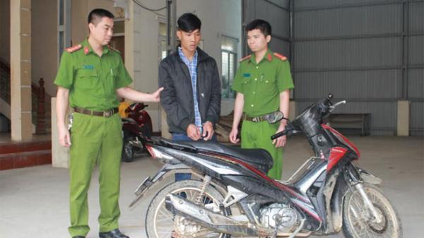 Lương Sơn (Hòa Bình): Bị phát giác, tên cướp dọa giết người, giả giọng miền Nam để trốn khỏi hiện trường