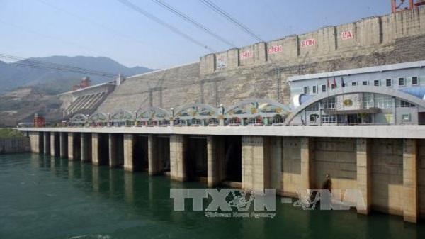 18 giờ ngày 24/7 sẽ đóng hai cửa xả đáy hồ Sơn La và hồ Hòa Bình