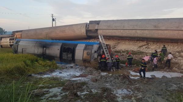 Tai nạn tàu hỏa kinh hoàng làm 2 người chết, 8 người bị thương