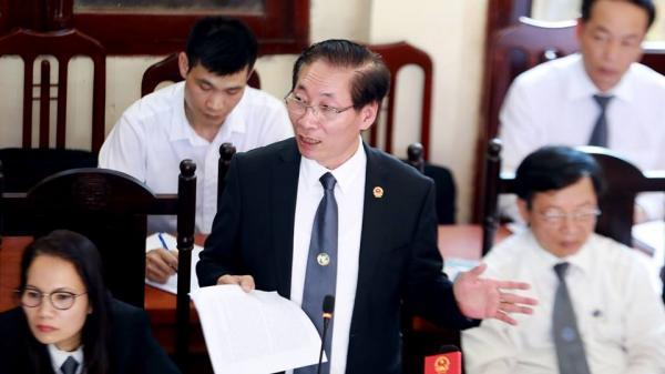 Tiết lộ bất ngờ từ luật sư: Điều tra viên viết thêm 10 chữ vào bản hỏi cung, bác sĩ Hoàng Công Lương đã yêu cầu xóa