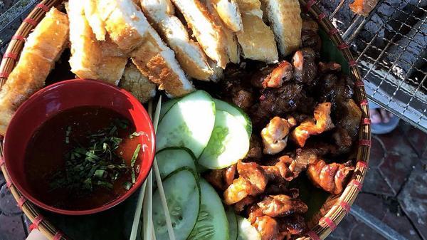 Bánh mì nướng dầu hào xứ Lạng ở thành phố Lào Cai