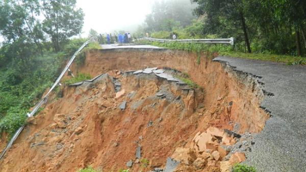 Bắc Giang: Núi Y Sơn sạt lở gây nguy hiểm đến người dân và hàng trăm học sinh