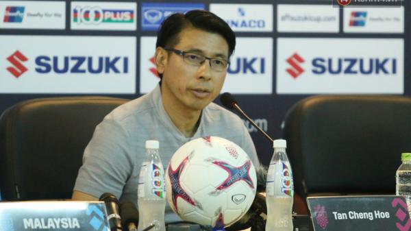 HLV Malaysia nói gì sau trận thua tan tác trước đội tuyển Việt Nam?