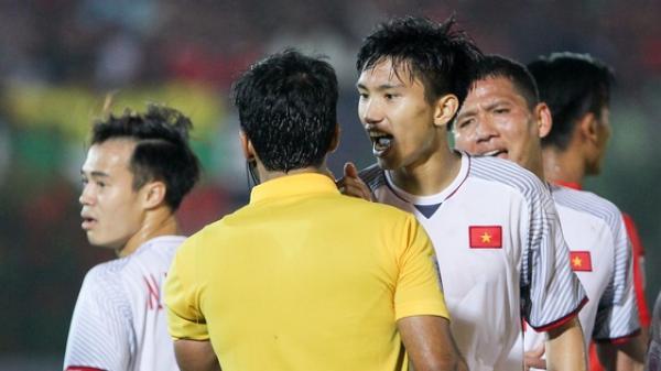 """Văn Hậu, Quế Hải đối mặt nguy cơ treo giò nếu nhận thêm thẻ vàng, HLV Park ra chỉ thị """"chơi hết, không ngán"""""""