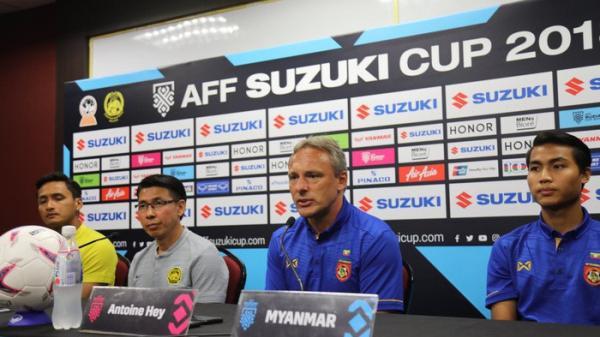 Sau lời sỉ nhục ông Park Hang-seo, HLV tuyển Myanmar lên tiếng thách thức cổ động viên Malaysia