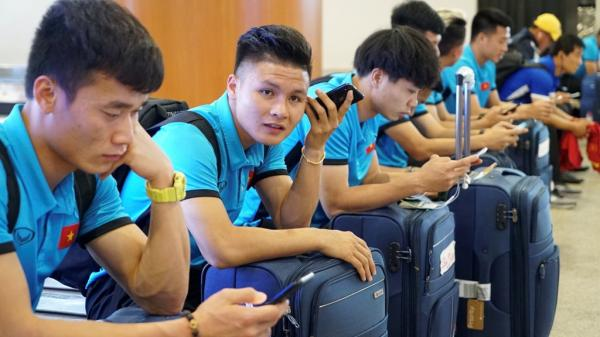 Vì sao tuyển Việt Nam nhất định phải đi chuyên cơ đến Philippines?