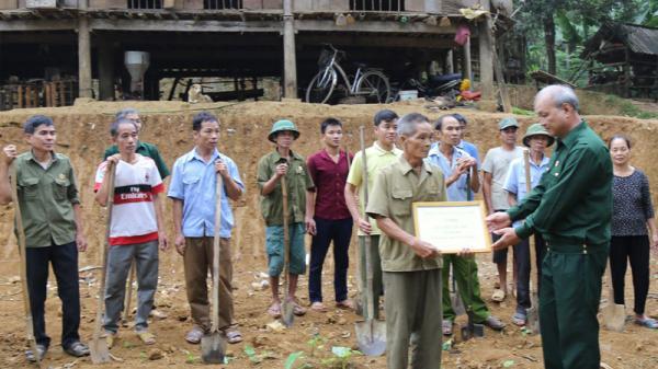 Những ngôi nhà nghĩa tình 2.000 đồng ở huyện Lạc Sơn