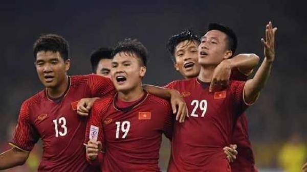 Trận chung kết lượt đi AFF Cup đạt rating cao nhất trong vòng 8 năm ở Hàn Quốc, tạo cơn sốt hiếm có trong lịch sử truyền hình xứ kim chi