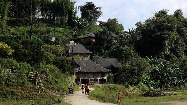 Kỳ bí truyền thuyết ngọn núi 'nàng Tiên ngủ' ở 'nóc nhà' của người Mường (Hòa Bình)