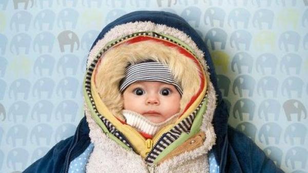 6 mẹo giúp giữ ấm cho trẻ trong mùa lạnh