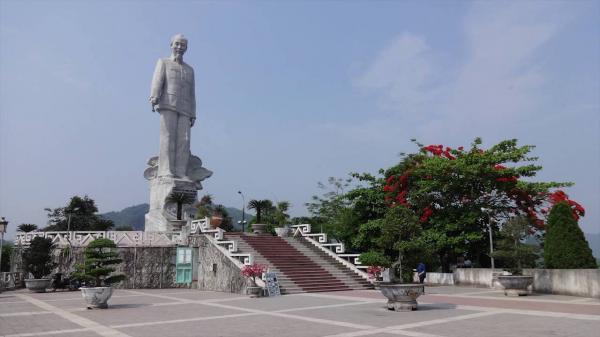 Hòa Bình: Không thu vé nhân dân thăm viếng Tượng đài Bác Hồ vào các dịp lễ, Tết, ngày kỷ niệm lớn của đất nước