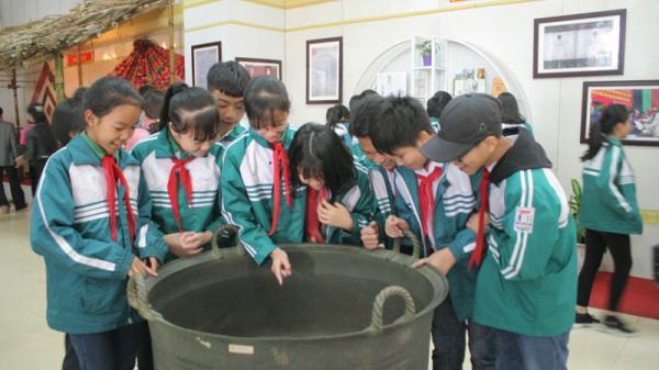 Tôn vinh giá trị di sản văn hóa tiêu biểu của dân tộc Mường