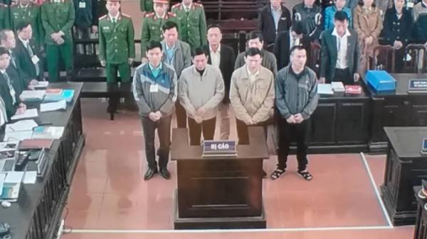 """Đang xét xử vụ á.n """"chạy thận t.ử vong"""" ở Hòa Bình"""
