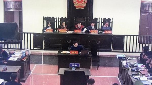 Tòa bác yêu cầu trả hồ sơ vụ chạy thận ở Hòa Bình, VKS đề nghị xử lý luật sư