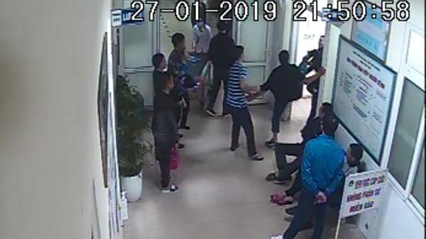 Hải Dương: Đ.iều tra vụ 2 nhóm thanh niên ẩ.u đ.ả trong bệnh viện chỉ vì va chạm giao thông