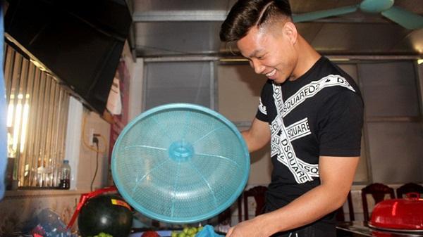 Vừa về quê Hải Dương đoàn tụ cùng gia đình được ít ngày, Văn Thanh lại chuẩn bị sang Hàn Quốc điều trị