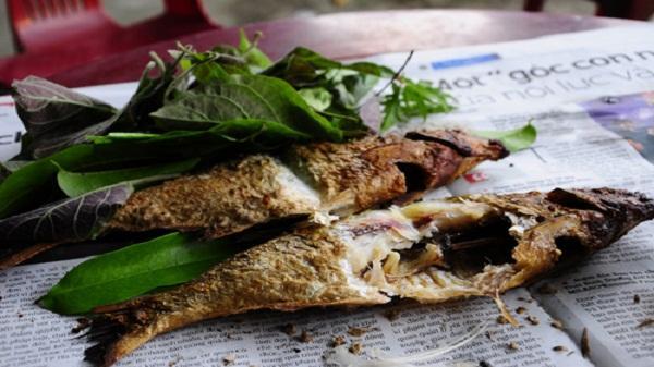 Cá nướng sông Đà - món ăn không thể bỏ lỡ khi tới Hòa Bình