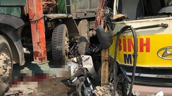 Xác nhận người đàn ông Hòa Bình chở theo vợ gặp nạn trong tai nạn liên hoàn trên quốc lộ