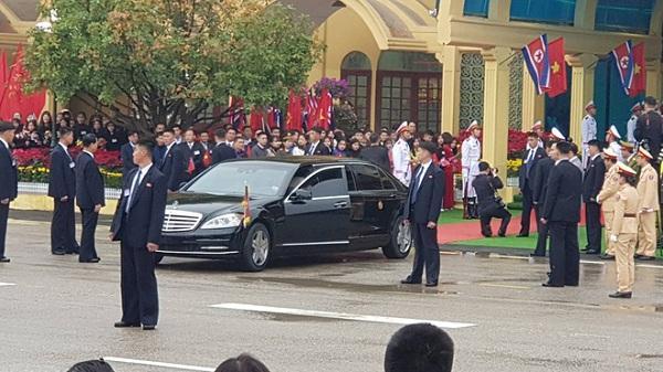 Cận cảnh chiếc xe bọc thép hạng sang Chủ tịch Kim Jong Un sử dụng để di chuyển về Hà Nội