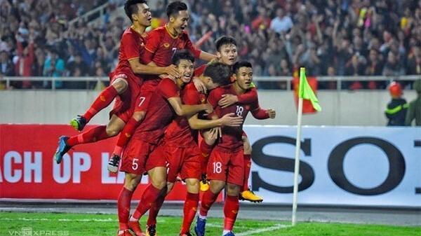 Tiếp tục bỏ xa Thái Lan, Việt Nam chạm kỷ lục BXH FIFA