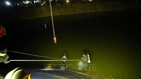 Hi hữu: S.ay rượu, lái xe đi nhầm đường rồi lùi xe... xuống sông Nậm Rốm, Điện Biên