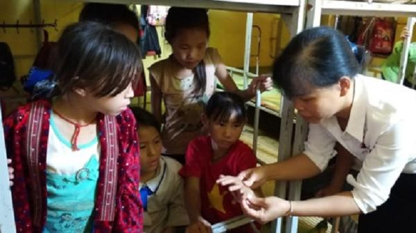 Điện Biên: Hơn 400 học sinh ở vùng cao Tủa Chùa có biểu hiện lạ