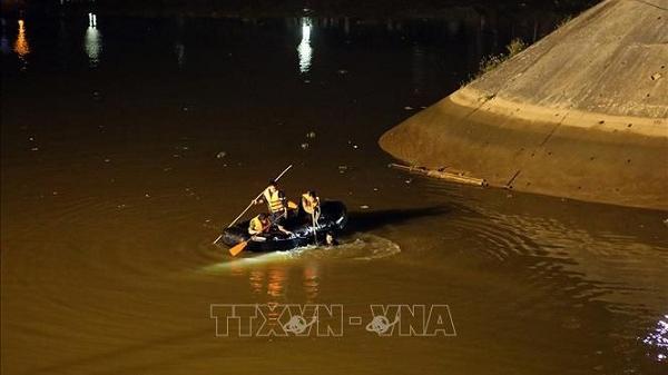 Danh tính tài xế Điện Biên say rượu lùi xe rơi xuống sông chìm nghỉm