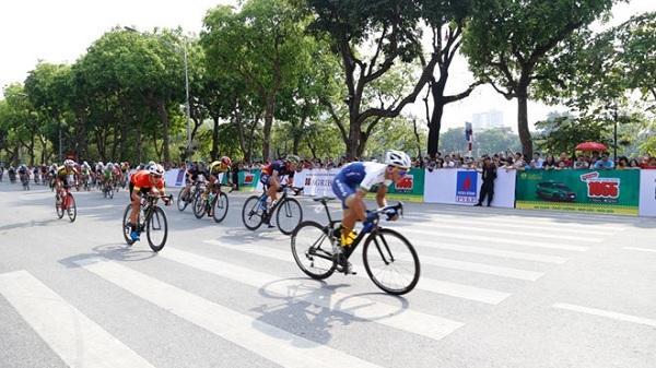Quàng Văn Cường đoạt áo vàng chặng 1 đua xe đạp 'Về Điện Biên Phủ'