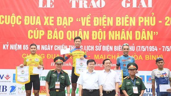 Nghẹt thở: Chinh phục dốc Cun, tay đua Phan Hoàng Thái về đích đầu tiên, nhưng áo vàng chưa đổi chủ