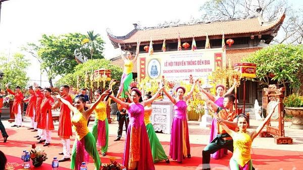 Tổ chức Lễ hội truyền thống đền Bia với quy mô cực lớn, thu hút đông đảo người dân và du khách thập phương